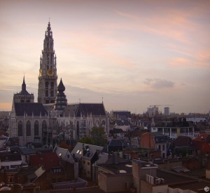 "Antwerpia<br><span class=""cc-link""><a href=""http://www.flickr.com/photos/42912005@N07/4103542779/"" target=""_blank"">Autor:Maribelle71</a><a href='http://creativecommons.org/licences/by/3.0'> <img class=""cc-icon"" src=""mods/_img/cc_by-small.png""></a></a></span>"