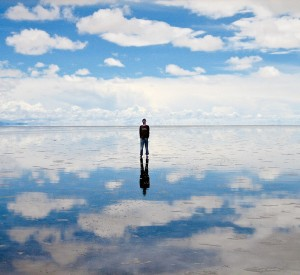 "Salar de Uyuni<br><span class=""cc-link""><a href=""http://commons.wikimedia.org/wiki/File:Salar_uyuni_200701.jpg"" target=""_blank"">Autor:Chechevere</a><a href='http://creativecommons.org/licences/by/3.0'> <img class=""cc-icon"" src=""mods/_img/cc_by-small.png""></a></a></span>"