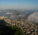 "<span class='dscr'>Rio de Janeiro</span><br><span class=""cc-link""><a href=""http://www.flickr.com/photos/hectorgarcia/6658701199/"" target=""_blank"">Autor:Hector Garcia</a><a href='http://creativecommons.org/licences/by-sa/3.0'>&nbsp;<img class=""cc-icon"" src=""mods/_img/cc_by_sa-small.png""></a></a></span>"