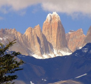 "Park Narodowy Torres del Paine<br><span class=""cc-link""><a href=""http://www.flickr.com/photos/mozketon/3309226619/"" target=""_blank"">Autor:Sergio R. Nunez C. </a><a href='http://creativecommons.org/licences/by-nd/3.0'>&nbsp;<img class=""cc-icon"" src=""mods/_img/cc_by_nd-small.png""></a></a></span>"