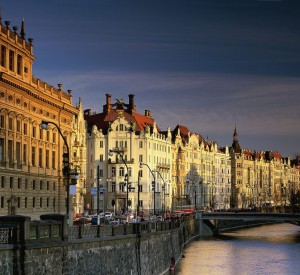 "Praga<br><span class=""cc-link""><a href=""http://www.flickr.com/photos/kruhme/1800814588/"" target=""_blank"">Autor:Kruhme</a><a href='http://creativecommons.org/licences/by/3.0'>&nbsp;<img class=""cc-icon"" src=""mods/_img/cc_by-small.png""></a></a></span>"