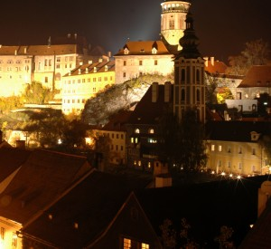 "Cesky Krumlov<br><span class=""cc-link""><a href=""http://www.flickr.com/photos/dannyben/2986075135/"" target=""_blank"">Autor:Daniel Axelson</a><a href='http://creativecommons.org/licences/by-sa/3.0'>&nbsp;<img class=""cc-icon"" src=""mods/_img/cc_by_sa-small.png""></a></a></span>"