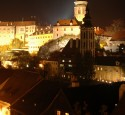 "<span class='dscr'>Cesky Krumlov</span><br><span class=""cc-link""><a href=""http://www.flickr.com/photos/dannyben/2986075135/"" target=""_blank"">Autor:Daniel Axelson</a><a href='http://creativecommons.org/licences/by-sa/3.0'>&nbsp;<img class=""cc-icon"" src=""mods/_img/cc_by_sa-small.png""></a></a></span>"