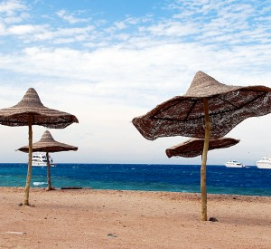 "Hurghada<br><span class=""cc-link""><a href=""http://www.flickr.com/photos/daverugby83/4441466526/"" target=""_blank"">Autor:Davidlohr Bueso</a><a href='http://creativecommons.org/licences/by/3.0'> <img class=""cc-icon"" src=""mods/_img/cc_by-small.png""></a></a></span>"