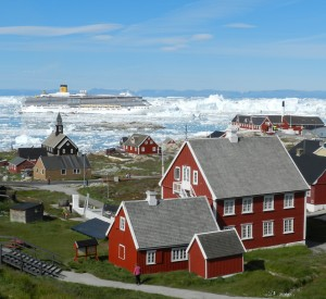 "Ilulissat<br><span class=""cc-link""><a href=""http://www.flickr.com/photos/ilovegreenland/4461538609/"" target=""_blank"">Autor:Bent Pedersen / Visit Greenland</a><a href='http://creativecommons.org/licences/by/3.0'> <img class=""cc-icon"" src=""mods/_img/cc_by-small.png""></a></a></span>"