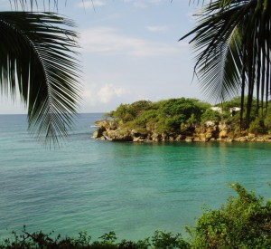 "Jacmel<br><span class=""cc-link""><a href=""http://www.flickr.com/photos/rbowen/118757709/"" target=""_blank"">Autor:Rich Bowen</a><a href='http://creativecommons.org/licences/by/3.0'> <img class=""cc-icon"" src=""mods/_img/cc_by-small.png""></a></a></span>"