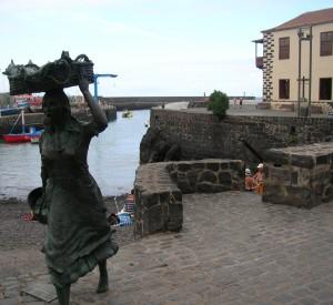 """Stary port rybacki w Puerto de la Cruz<br><span class=""""cc-link"""">Autor: Jan Ignacy Czempiński </span>"""