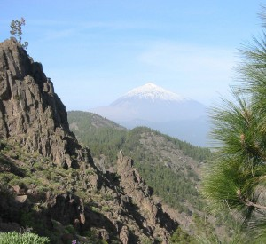 "Park Narodowy Teide na Teneryfie<br><span class=""cc-link""><a href=""http://www.flickr.com/photos/alcebal2002/1073956472/"" target=""_blank"">Autor:Alberto Ceballos</a><a href='http://creativecommons.org/licences/by-sa/3.0'> <img class=""cc-icon"" src=""mods/_img/cc_by_sa-small.png""></a></a></span>"