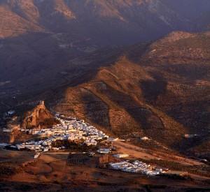 """Białe Miasta Andaluzji<br><span class=""""cc-link"""">Autor: Bocaleones</span>"""