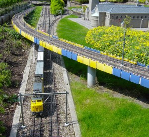 "Madurodam<br><span class=""cc-link""><a href=""http://www.flickr.com/photos/mwichary/2507612880/"" target=""_blank"">Autor:Marcin Wichary</a><a href='http://creativecommons.org/licences/by/3.0'> <img class=""cc-icon"" src=""mods/_img/cc_by-small.png""></a></a></span>"