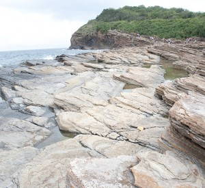 "Hong Kong Global Geopark of China<br><span class=""cc-link""><a href=""http://www.flickr.com/photos/8916318@N03/5707332118/"" target=""_blank"">Autor:Anthorea</a><a href='http://creativecommons.org/licences/by-nd/3.0'> <img class=""cc-icon"" src=""mods/_img/cc_by_nd-small.png""></a></a></span>"