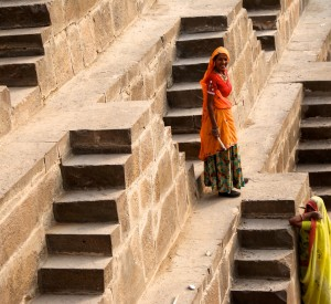 "Chand Baori<br><span class=""cc-link""><a href=""http://www.flickr.com/photos/sitomon/7338381828/"" target=""_blank"">Autor:Sitomon Ramon</a><a href='http://creativecommons.org/licences/by-sa/3.0'> <img class=""cc-icon"" src=""mods/_img/cc_by_sa-small.png""></a></a></span>"