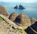 "<span class='dscr'>Skellig Michael</span><br><span class=""cc-link""><a href=""http://www.flickr.com/photos/azwegers/6214838436/"" target=""_blank"">Autor:Arian Zwegers</a><a href='http://creativecommons.org/licences/by/3.0'>&nbsp;<img class=""cc-icon"" src=""mods/_img/cc_by-small.png""></a></a></span>"