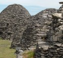 "<span class='dscr'>Skellig Michael</span><br><span class=""cc-link""><a href=""http://www.flickr.com/photos/amerune/2618683292/"" target=""_blank"">Autor:Maureen</a><a href='http://creativecommons.org/licences/by/3.0'>&nbsp;<img class=""cc-icon"" src=""mods/_img/cc_by-small.png""></a></a></span>"