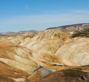"""Kolorowe góry na szlaku Laugavegurinn<br><span class=""""cc-link"""">Autor: Jan Ignacy Czempiński</span>"""