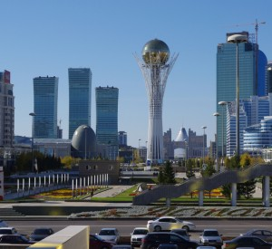 "Astana<br><span class=""cc-link""><a href=""http://www.flickr.com/photos/kjfnjy/6246445368/"" target=""_blank"">Autor:Ken and Nyetta</a><a href='http://creativecommons.org/licences/by-sa/3.0'> <img class=""cc-icon"" src=""mods/_img/cc_by_sa-small.png""></a></a></span>"