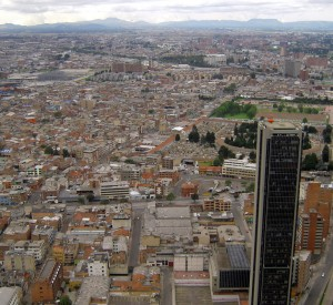 "Bogota<br><span class=""cc-link""><a href=""http://www.flickr.com/photos/edgarzuniga/4183119219/"" target=""_blank"">Autor:Edgar Zuniga Jr.</a><a href='http://creativecommons.org/licences/by-nd/3.0'> <img class=""cc-icon"" src=""mods/_img/cc_by_nd-small.png""></a></a></span>"