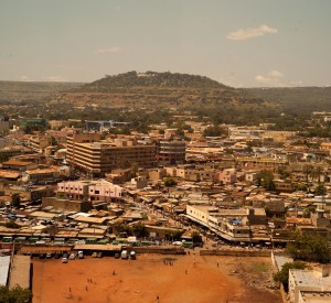"Bamako<br><span class=""cc-link""><a href=""http://www.flickr.com/photos/leecohen/6269989497/"" target=""_blank"">Autor:Lee Cohen</a><a href='http://creativecommons.org/licences/by/3.0'>&nbsp;<img class=""cc-icon"" src=""mods/_img/cc_by-small.png""></a></a></span>"