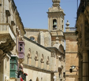 "Mdina<br><span class=""cc-link""><a href=""http://www.flickr.com/photos/christianstock/3624945658/"" target=""_blank"">Autor:Christian Stock</a><a href='http://creativecommons.org/licences/by/3.0'> <img class=""cc-icon"" src=""mods/_img/cc_by-small.png""></a></a></span>"