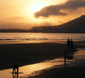 "Agadir<br><span class=""cc-link""><a href=""http://www.flickr.com/photos/tir_na_nog/2654530665/"" target=""_blank"">Autor:Liam Moloney</a><a href='http://creativecommons.org/licences/by-sa/3.0'> <img class=""cc-icon"" src=""mods/_img/cc_by_sa-small.png""></a></a></span>"