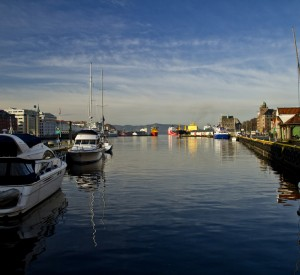 "Bergen<br><span class=""cc-link""><a href=""http://www.flickr.com/photos/dannordal/6704433027/"" target=""_blank"">Autor:Dan Nordal</a><a href='http://creativecommons.org/licences/by/3.0'>&nbsp;<img class=""cc-icon"" src=""mods/_img/cc_by-small.png""></a></a></span>"