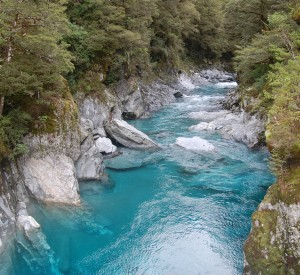 "Park Narodowy Mount Aspiring<br><span class=""cc-link""><a href=""http://www.flickr.com/photos/edwin11/4674315045/"" target=""_blank"">Autor:edwin.11</a><a href='http://creativecommons.org/licences/by/3.0'>&nbsp;<img class=""cc-icon"" src=""mods/_img/cc_by-small.png""></a></a></span>"