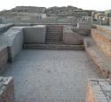 "<span class='dscr'>Ruiny Mohenjo Daro, miasta powstałego prawdopodobie 4,5 tysiąca lat temu</span><br><span class=""cc-link""><a href=""http://www.flickr.com/photos/25652913@N03/4874698087/"" target=""_blank"">Autor:Comrogues</a><a href='http://creativecommons.org/licences/by/3.0'>&nbsp;<img class=""cc-icon"" src=""mods/_img/cc_by-small.png""></a></a></span>"