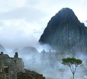 "Machu Picchu<br><span class=""cc-link""><a href=""http://www.flickr.com/photos/selipu/2677605780/"" target=""_blank"">Autor:ckmck</a><a href='http://creativecommons.org/licences/by/3.0'>&nbsp;<img class=""cc-icon"" src=""mods/_img/cc_by-small.png""></a></a></span>"