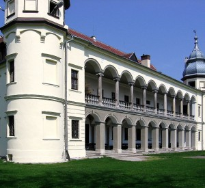 """Pałac w Krobielowicach<br><span class=""""cc-link"""">Autor: Julo</span>"""