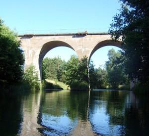 """Most kolejowy na Brdzie w miejscowości Rytel<br><span class=""""cc-link"""">Autor: Tamerlan</span>"""