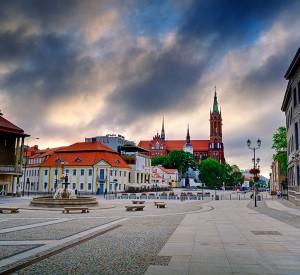 """Rynek Białegostoku<br><span class=""""cc-link"""">Autor: Słowacki</span>"""