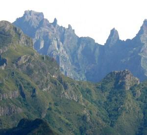 """Widok ze szczytu Cana na Maderze<br><span class=""""cc-link"""">Autor: Felix Potuit</span>"""