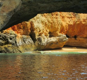"Algarve<br><span class=""cc-link""><a href=""http://www.flickr.com/photos/garaigoikoa/6112603752/"" target=""_blank"">Autor:Eider Palmou</a><a href='http://creativecommons.org/licences/by/3.0'> <img class=""cc-icon"" src=""mods/_img/cc_by-small.png""></a></a></span>"