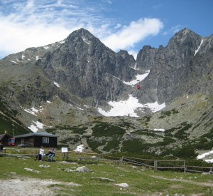 "Tatry<br><span class=""cc-link""><a href=""http://www.flickr.com/photos/mikelove/3662558378/"" target=""_blank"">Autor:Mike Love</a><a href='http://creativecommons.org/licences/by/3.0'> <img class=""cc-icon"" src=""mods/_img/cc_by-small.png""></a></a></span>"