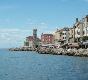 "Piran<br><span class=""cc-link""><a href=""http://www.flickr.com/photos/mickamato/4960177277/"" target=""_blank"">Autor:Mick Amato</a><a href='http://creativecommons.org/licences/by/3.0'>&nbsp;<img class=""cc-icon"" src=""mods/_img/cc_by-small.png""></a></a></span>"