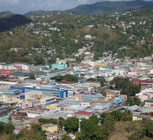 "Castries, stolica St Lucii<br><span class=""cc-link""><a href=""http://www.flickr.com/photos/sparklingmoments/4423547833/"" target=""_blank"">Autor:Lisa</a><a href='http://creativecommons.org/licences/by-nd/3.0'> <img class=""cc-icon"" src=""mods/_img/cc_by_nd-small.png""></a></a></span>"
