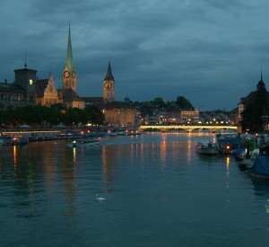 "Zurich<br><span class=""cc-link""><a href=""http://www.flickr.com/photos/aforero/542248140/"" target=""_blank"">Autor:Alejandro Forero Cuervo</a><a href='http://creativecommons.org/licences/by/3.0'>&nbsp;<img class=""cc-icon"" src=""mods/_img/cc_by-small.png""></a></a></span>"