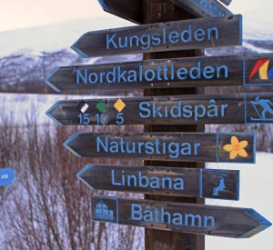 """Park Narodowy Abisko<br><span class=""""cc-link""""><a href=""""http://www.flickr.com/photos/gudi3101/5506807015/"""" target=""""_blank"""">Autor:Guido da Rozze</a><a href='http://creativecommons.org/licences/by-sa/3.0'><img class=""""cc-icon"""" src=""""mods/_img/cc_by_sa-small.png""""></a></a></span>"""