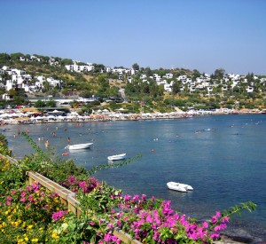 "Bodrum<br><span class=""cc-link""><a href=""http://www.flickr.com/photos/visitturkey/6929325259/"" target=""_blank"">Autor:Yilmaz Oevuenc</a><a href='http://creativecommons.org/licences/by-sa/3.0'>&nbsp;<img class=""cc-icon"" src=""mods/_img/cc_by_sa-small.png""></a></a></span>"