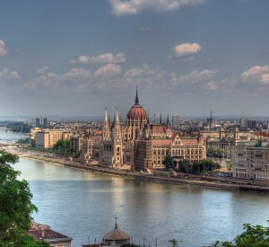 "Budapeszt<br><span class=""cc-link""><a href=""http://www.flickr.com/photos/mauricedb/2674684252/"" target=""_blank"">Autor:Maurice</a><a href='http://creativecommons.org/licences/by/3.0'> <img class=""cc-icon"" src=""mods/_img/cc_by-small.png""></a></a></span>"