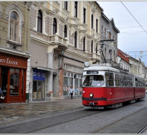 "Miskolc<br><span class=""cc-link""><a href=""http://www.flickr.com/photos/korom/7544944074/"" target=""_blank"">Autor:Janos Korom Dr. </a><a href='http://creativecommons.org/licences/by-sa/3.0'> <img class=""cc-icon"" src=""mods/_img/cc_by_sa-small.png""></a></a></span>"