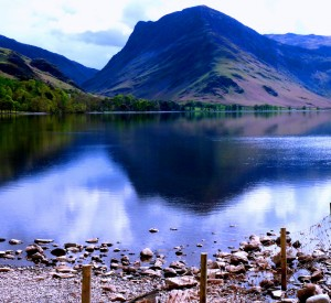 "Lake District<br><span class=""cc-link""><a href=""http://www.flickr.com/photos/leshaines123/5462564530/"" target=""_blank"">Autor:Les Haines</a><a href='http://creativecommons.org/licences/by/3.0'> <img class=""cc-icon"" src=""mods/_img/cc_by-small.png""></a></a></span>"