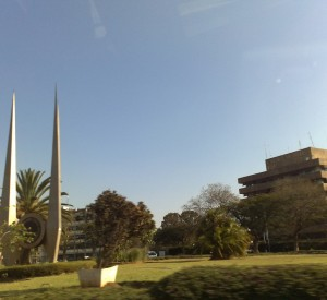 "Lusaka<br><span class=""cc-link""><a href=""http://www.flickr.com/photos/amonroy/2778528199/"" target=""_blank"">Autor:Andresmh</a><a href='http://creativecommons.org/licences/by-sa/3.0'>&nbsp;<img class=""cc-icon"" src=""mods/_img/cc_by_sa-small.png""></a></a></span>"